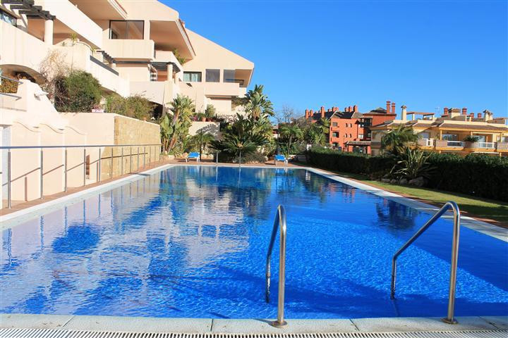 Offered for sale with furniture as optional.  Situated on the upper slopes of Calahonda we are able ,Spain