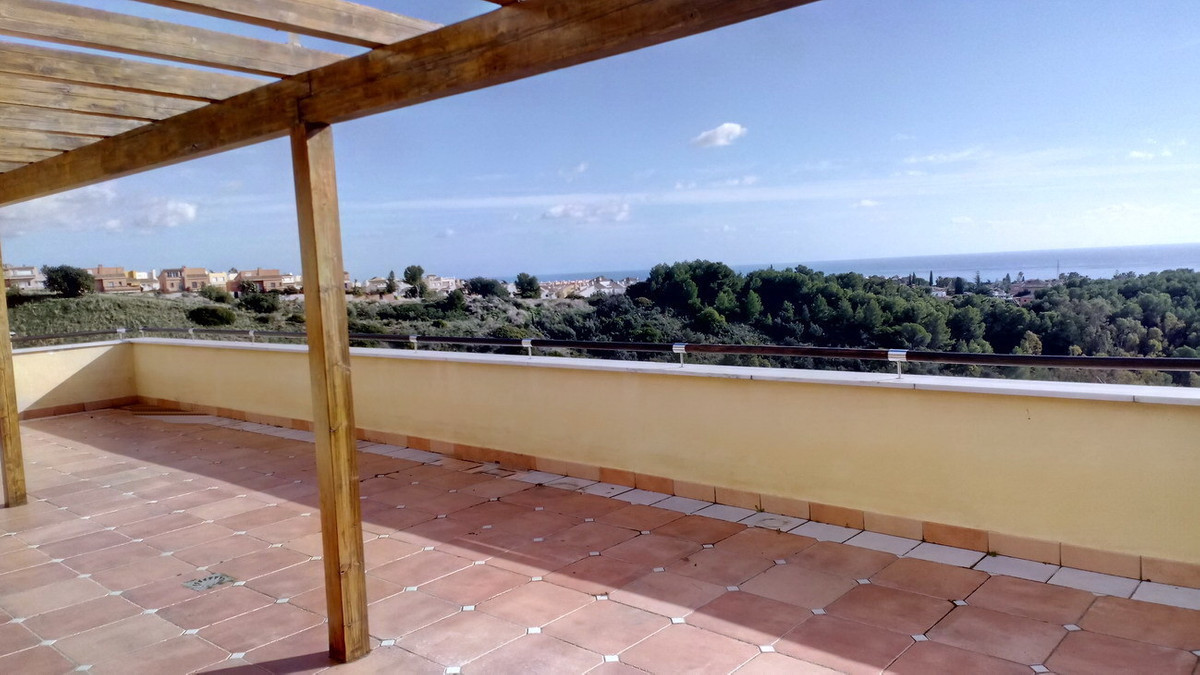 Apartments like this are seldom on the market.  This stunning 3 bedroom 3 bathroom penthouse is loca,Spain