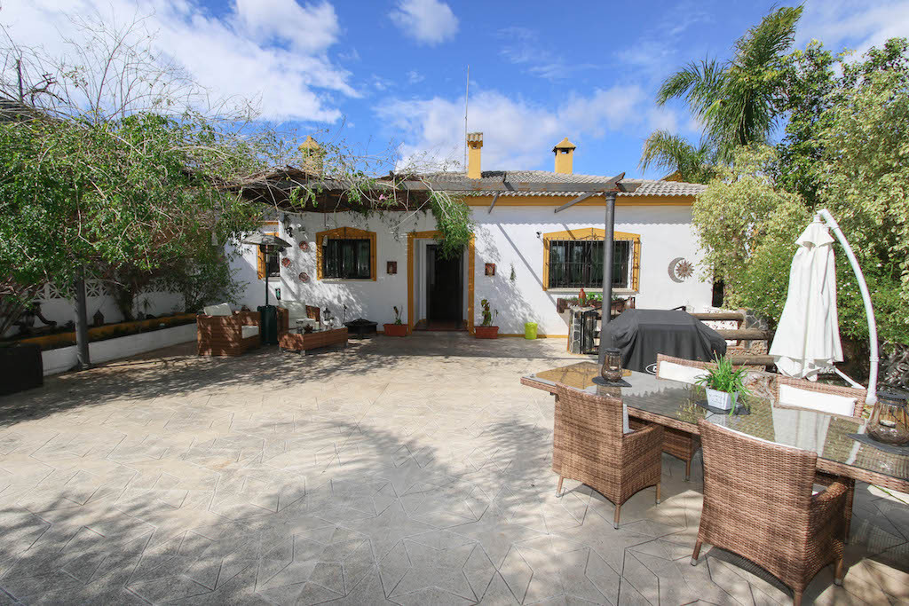 Detached Villa with STABLES, VARIOUS OUTBUILDINGS.  .   Walking distance to bars and restaurants .  ,Spain