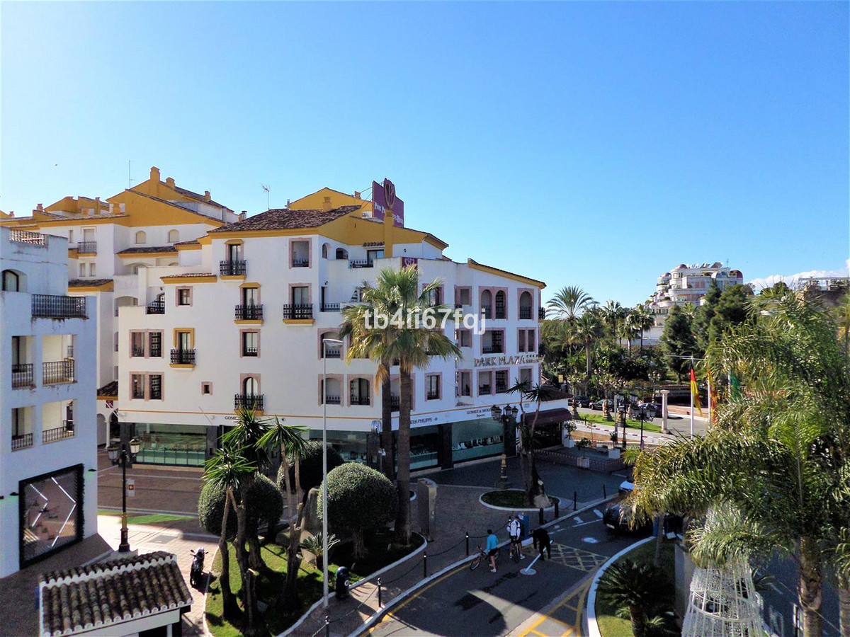 Beautiful 3 bedroom apartment, completely renovated with modern style in the heart of Puerto Banus.  Spain