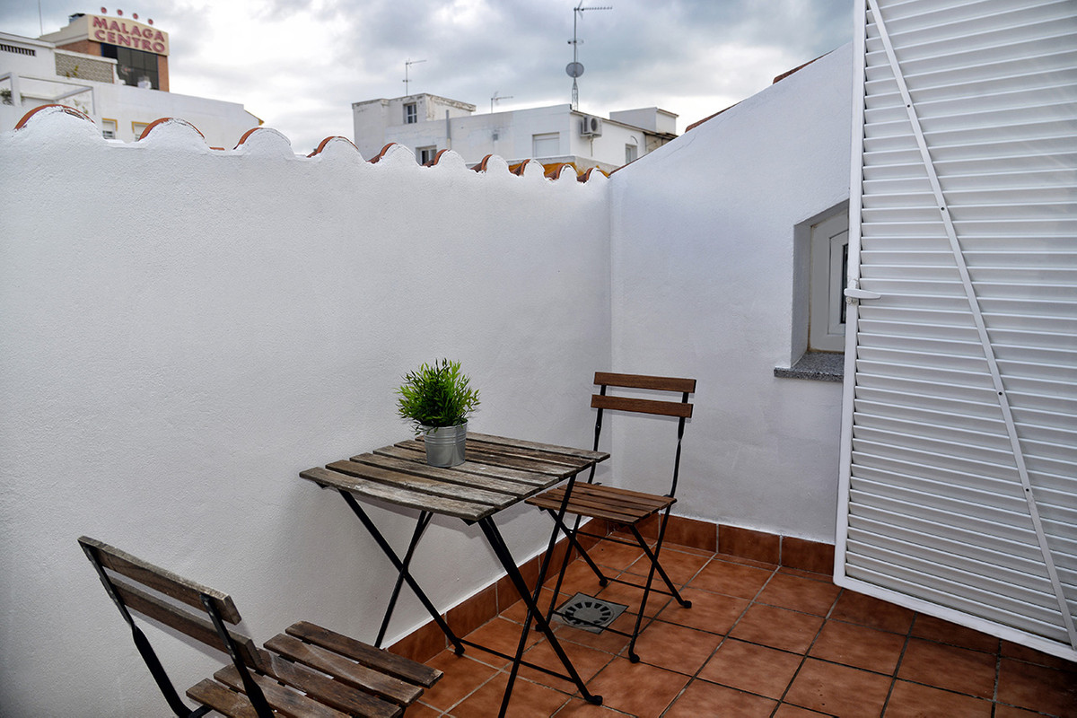 Penthouse, Malaga only 2mn walking from historic centre, Costa del Sol. 1 Bedroom, 1 Bathroom, Built, Spain