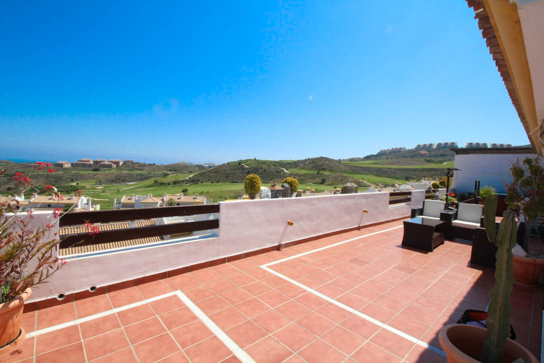 Calanova Golf is a development of luxury apartments situated only a short drive from the popular are,Spain