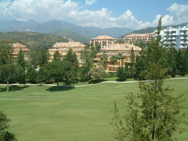 A frontline golf apartment overlooking the 11th Fairway in one of the most picturesque settings on o,Spain