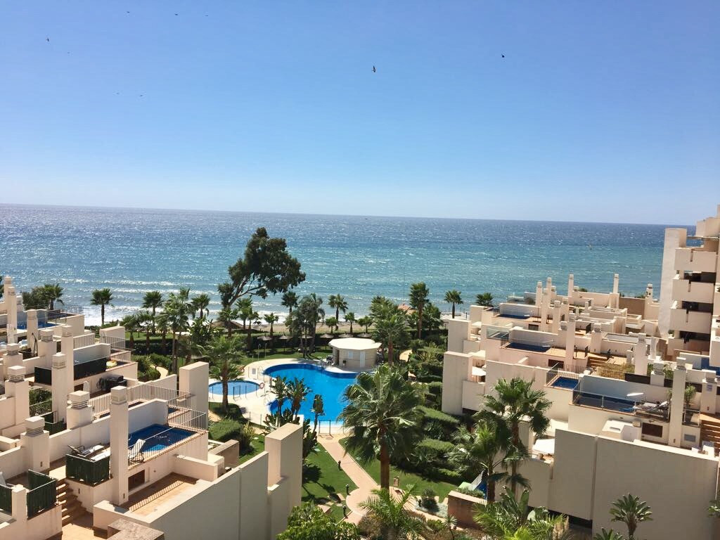 Middle Floor Apartment, New Golden Mile, Costa del Sol. 2 Bedrooms, 2 Bathrooms, Built 90 m², Terrac, Spain