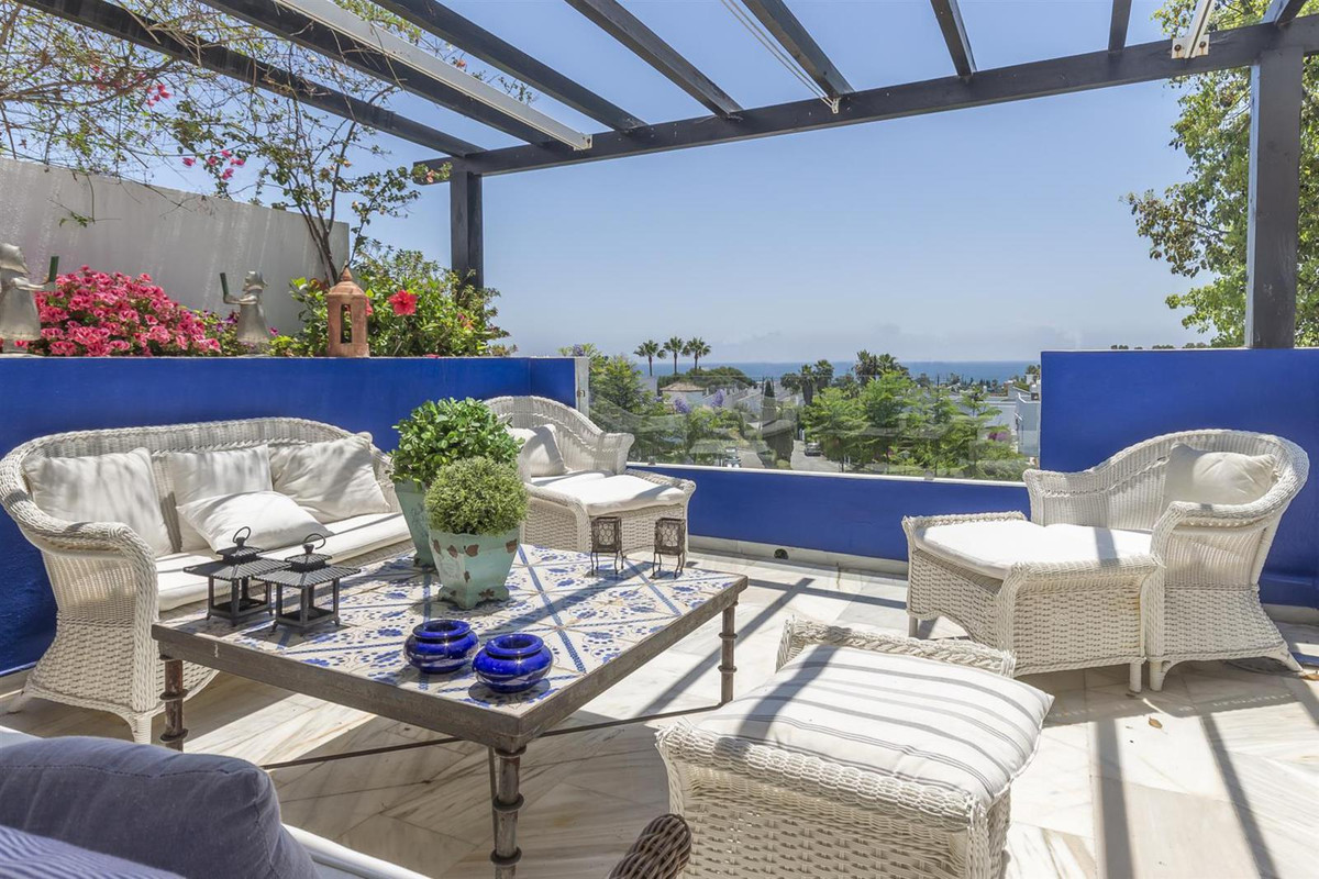 Reserved with deposit! Lovely two bedrooms apartment with the spacious terrace, mountains and garden,Spain