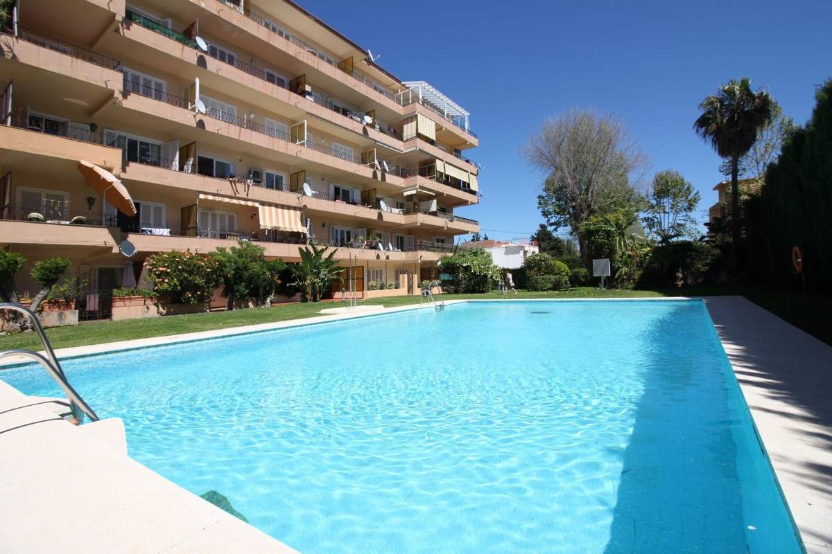 Studio in Puerto Banus, Marbella, This apartment is ideal for enjoying Puerto Banus and the beach wi, Spain