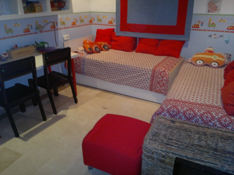 It is now selling a penthouse duplex completely renovated old building in the Born area. The duplex ,Spain