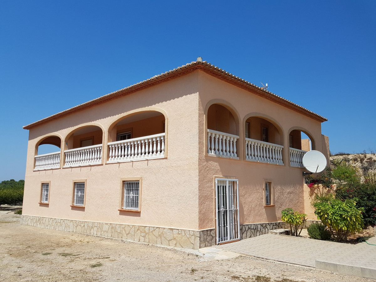 Impressive  418m2 country house set in a country estate of 12,700m2 with panoramic views of the surr,Spain