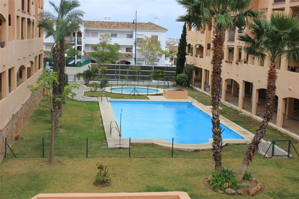 BEAUTIFUL 2 bedroom apartment, 2 bathroom. 1 in-suite. Recently refurbished with excellent quality m,Spain