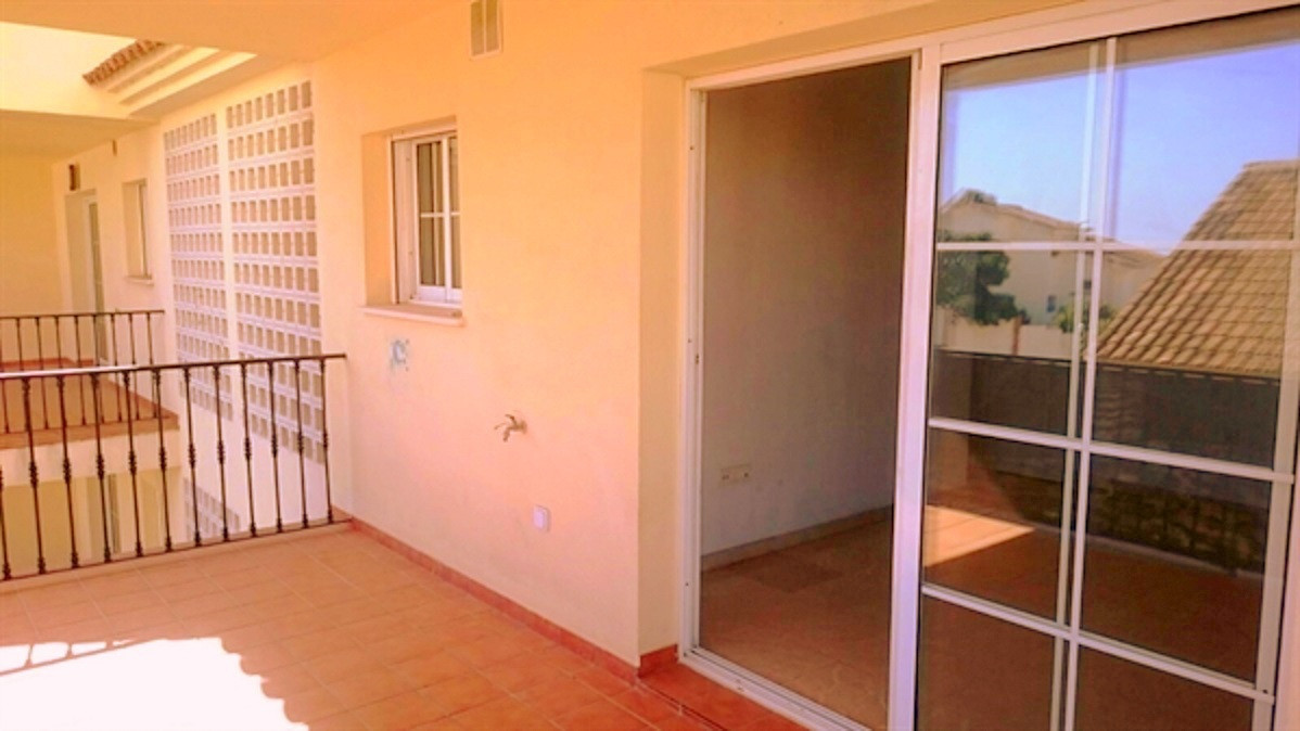 Duplex in Calle Puebleo Ircosol, Benalmadena is located on the top floor with two bedrooms and two b,Spain