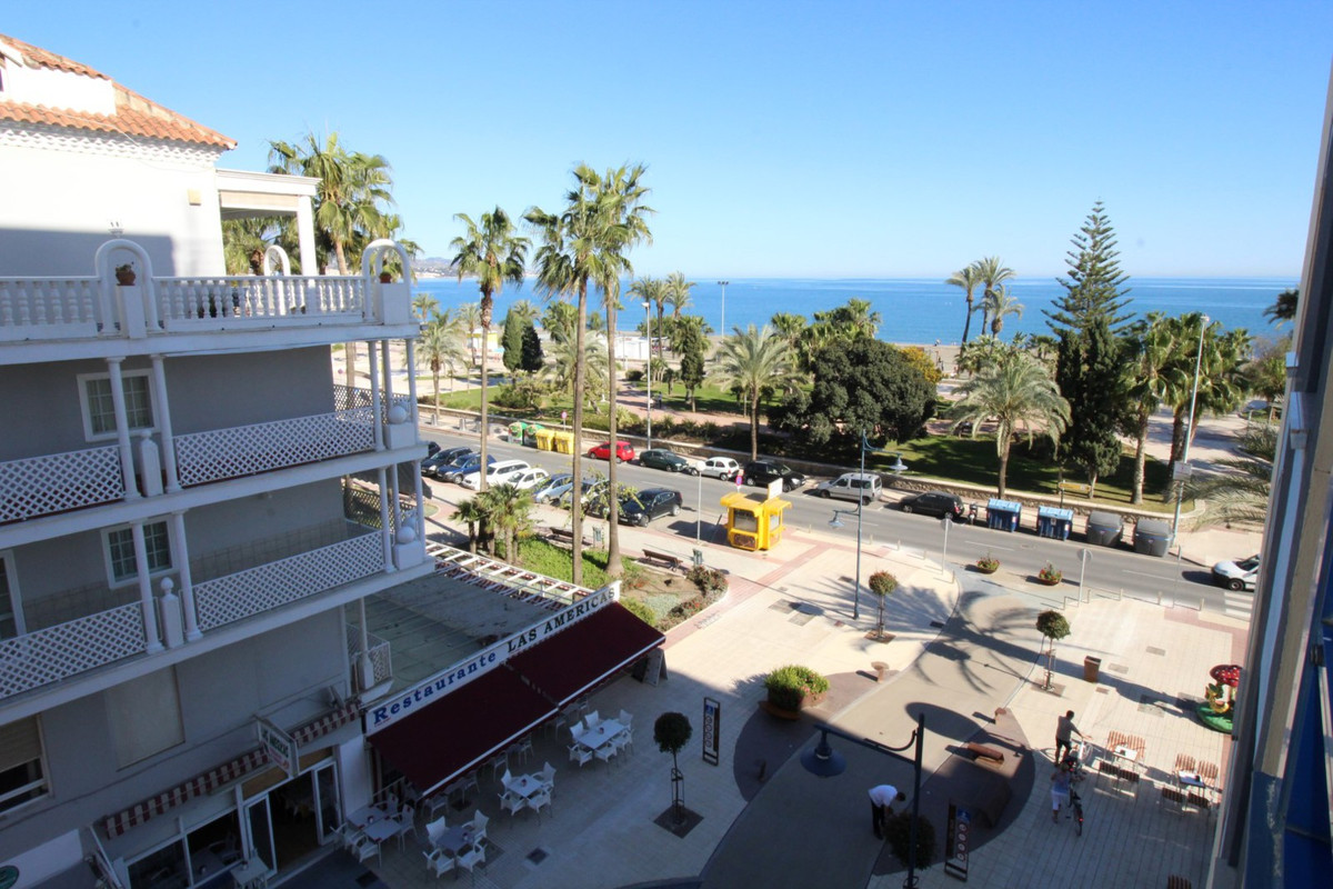 Spectacular apartment in Torre del Mar overlooking the sea. The apartment consists of a living/dinin, Spain