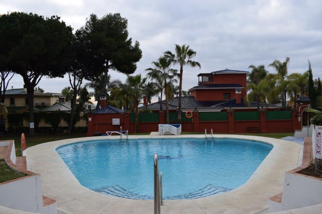 Beautiful 1 bedroom ground floor apartment in gated complex situated in the quieter area of ??Puerto,Spain