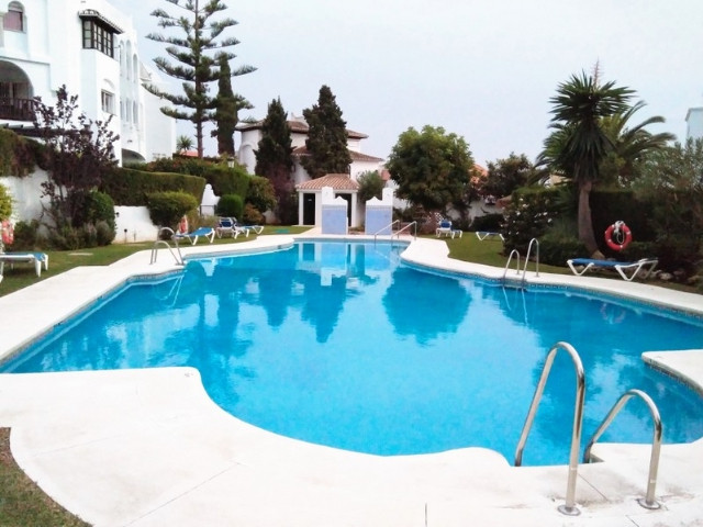 Walking to the beach to shops and restaurants. Second floor studio, very bright with large windows, , Spain