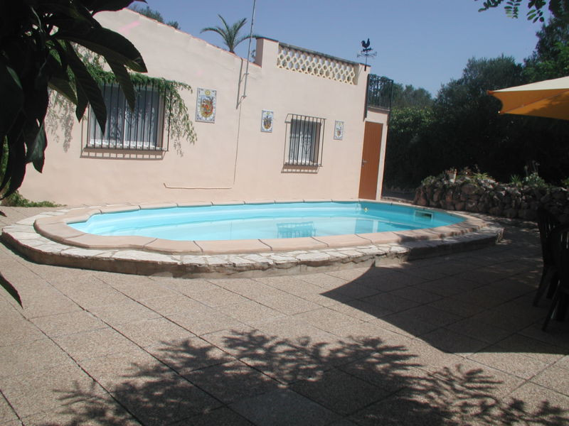 Chalet near Algaida with separate guest house  Main house: living area 80 m2, 2 bedrooms, 2 bathroom, Spain