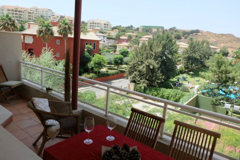 STUNNING SPACIOUS 3 BEDROOM APARTMENT LOCATED ON A POPULAR URBANISATION WITH FABULOUS COMMUNAL POOL ,Spain