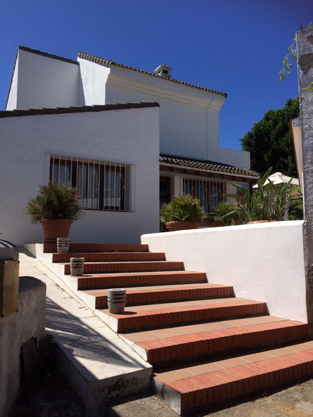 Located in the historic small village of Guadacorte in the Province of Cadiz, South of Spain, this 4, Spain