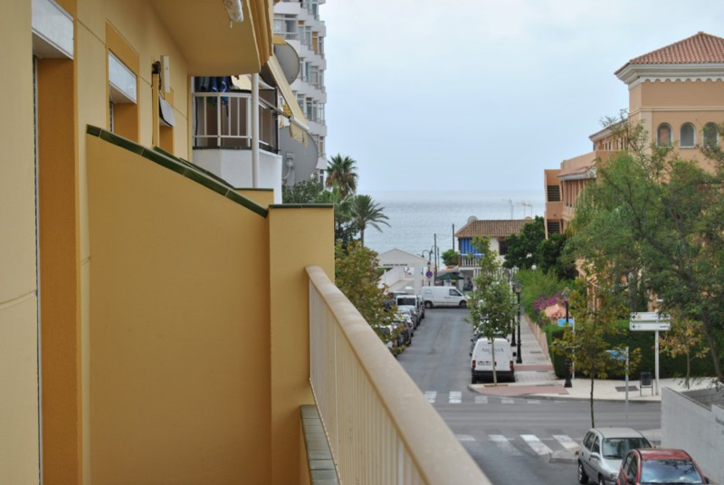 This is a cozy two bedroom town centre apartment located in Butibamba La Cala de Mijas.   The apaert, Spain