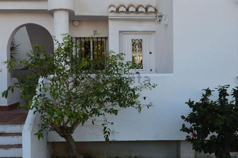 """""""Spacious duplex with three bedrooms and 2 bathrooms, one with jacuzzi. Quiet complex very clos,Spain"""