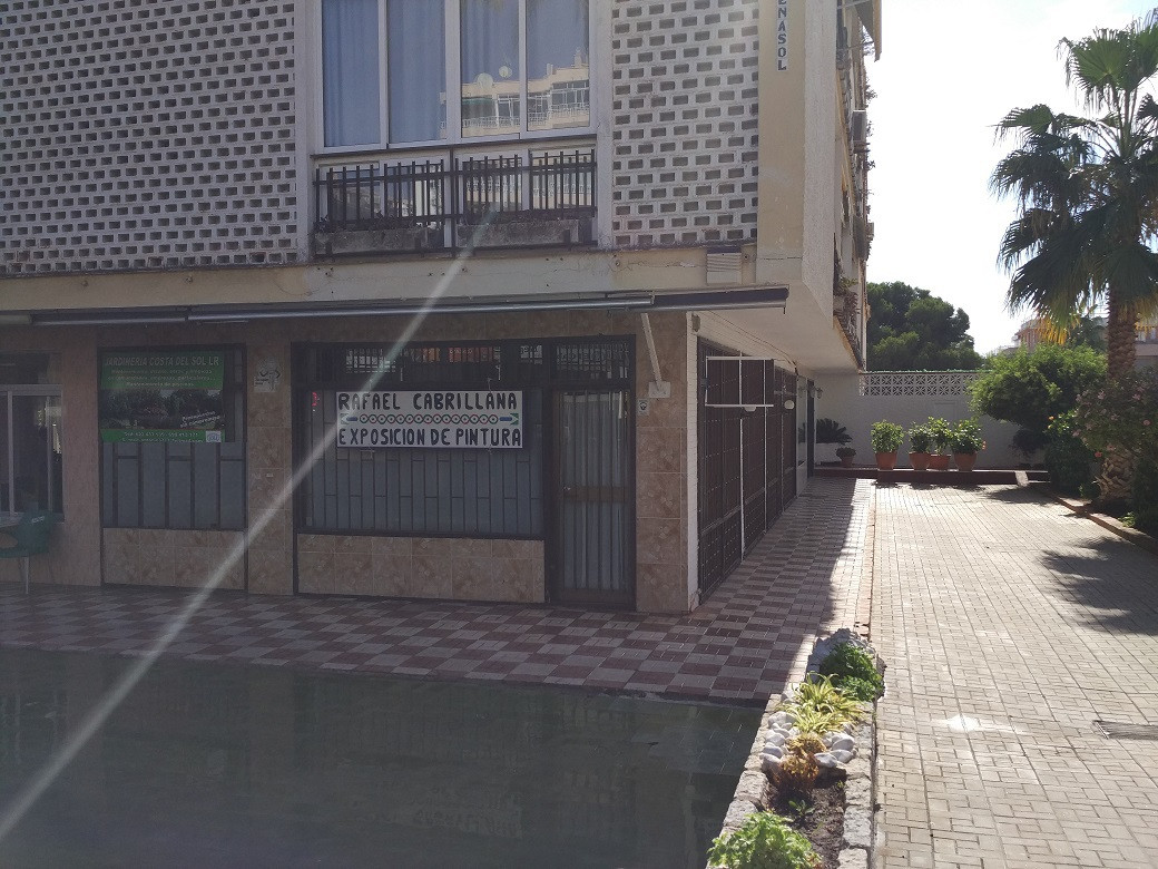 Commercial local in Benalmadena Costa, featuring 95 m2 inside and a terrace of 60 m2 for clients out, Spain