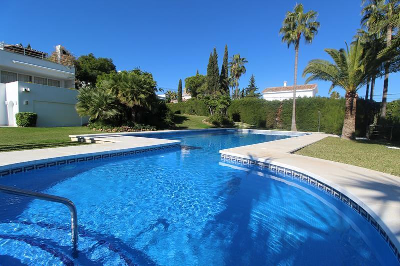 AMAZING APARTMENT NEXT TO LOS NARANJOS GOF FOR SALE   This lovely 3  Bedroom apartment is very well ,Spain
