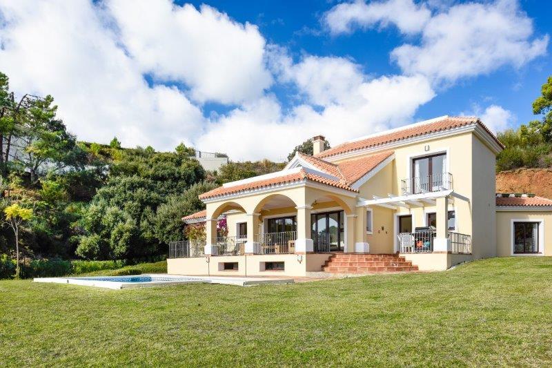 VILLA FOR SALE IN MONTE MAYOR!!  Allow us to introduce you to one of the most exclusive properties l, Spain