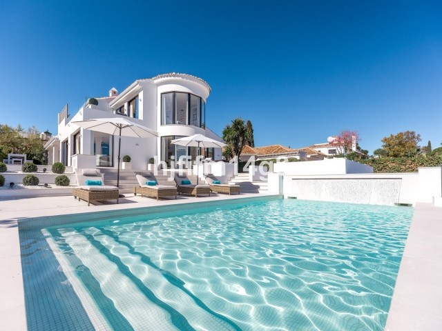 Absolutely stunning four bedroom villa for sale in the prestigious Golf Valley; set in a fantastic l,Spain