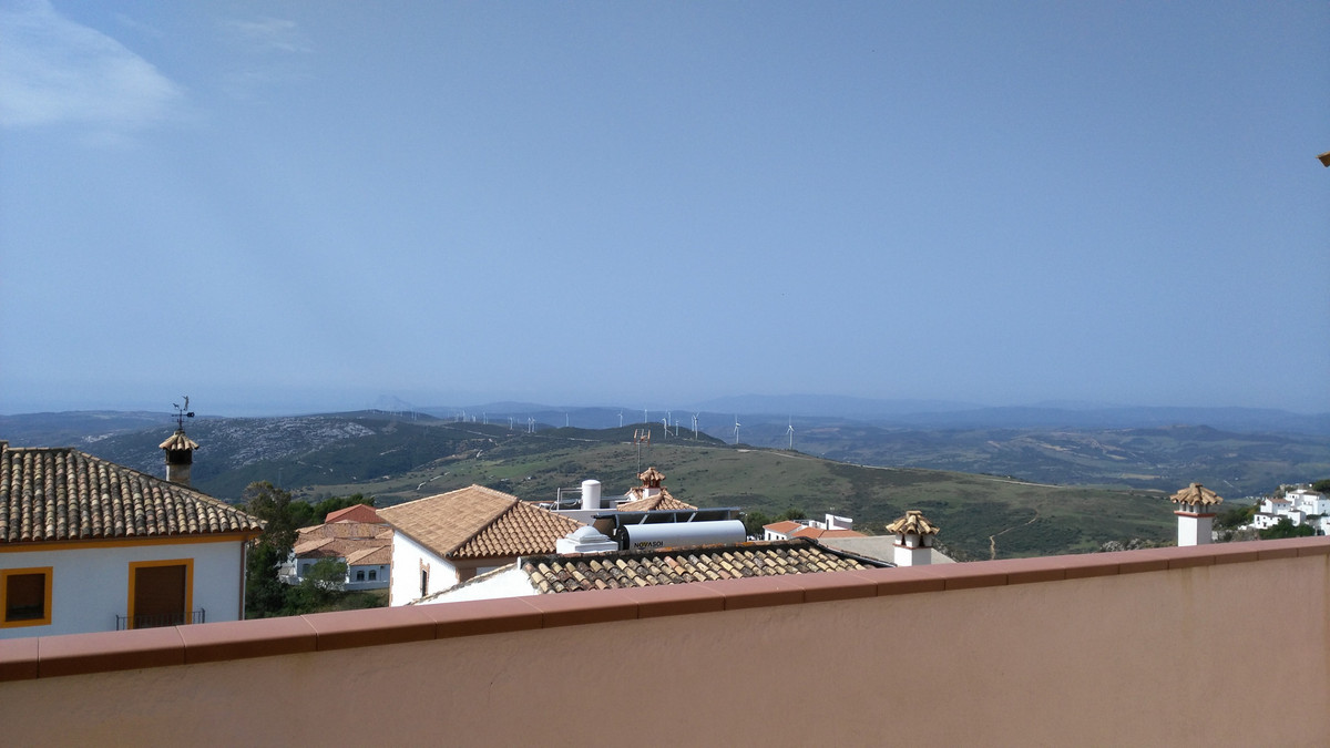Bargain opportunity!  Semi-detached house, located in Casares village, extremely special and with lo,Spain