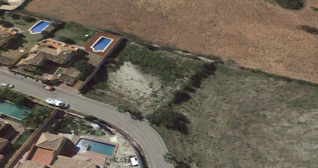 Good square flat plot in the urbanization of Mijas Golf for sale with project for a 335m2 villa with,Spain