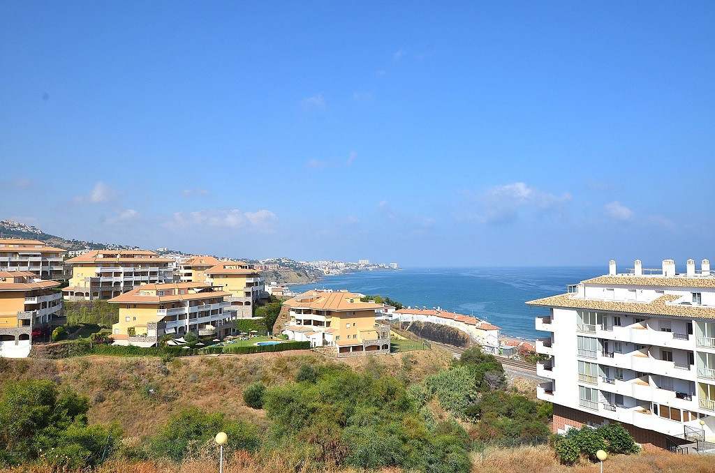 NICE APARTMENT located in the lower area of Torreblanca and very close to Carvajal. At only 650 mts ,Spain