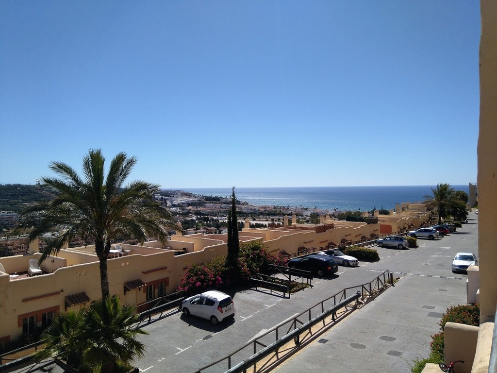 Fantastic and spacious 2 bedroom duplex, located in one of the best areas of the coast in La Cala de,Spain