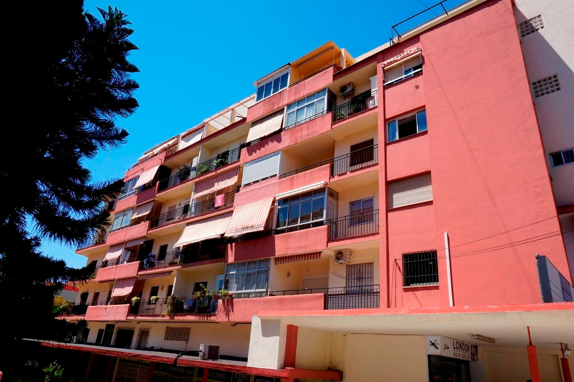 Apartment at the heart of Marbella centre, situated on the main street of Ricardo Soriano. Having be, Spain