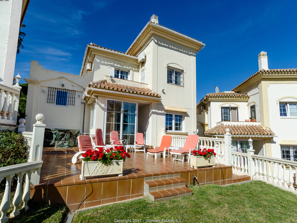 A great villa situated in the lower part of Riviera del Sol. The house originally consisted of 3 bed, Spain