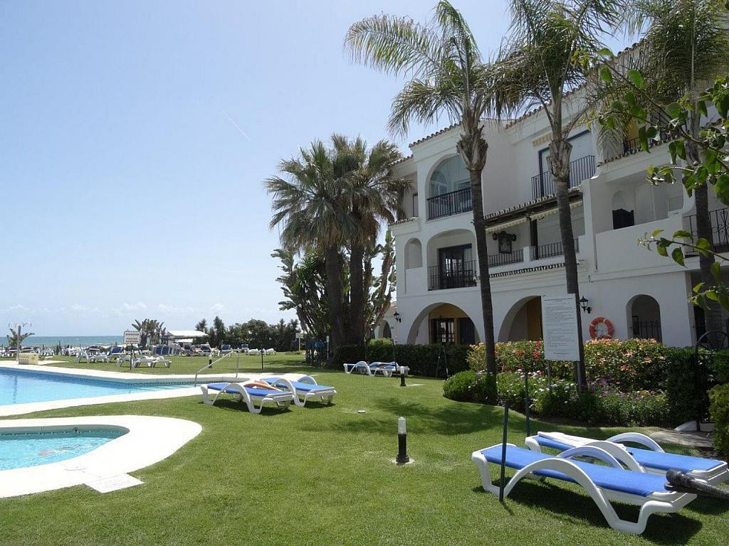 This ground floor apartment has direct access to the beach and pool. Distributed into two bedrooms, ,Spain