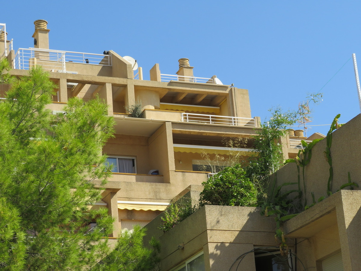 A large 2/3 bedroom second floor duplex apartment in Calpe - Manzanera is just a stones throw away f, Spain
