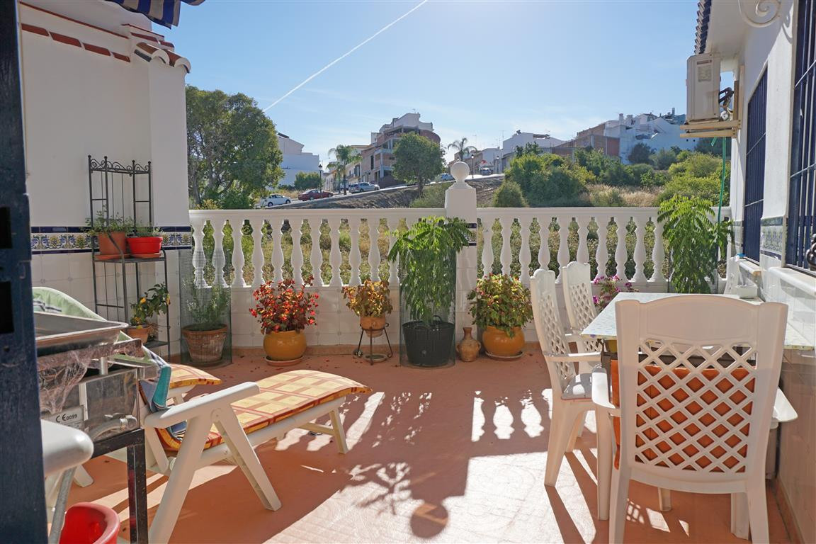 Spacious and very bright apartment in Alhaurin el Grande. The property is located in a very quiet bu, Spain