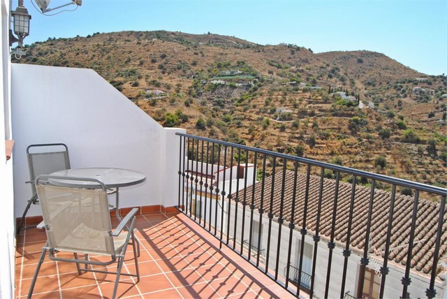 Townhouse located in Torrox.  Consisting of one bedroom, bathroom, kitchen, lounge dining room and t,Spain