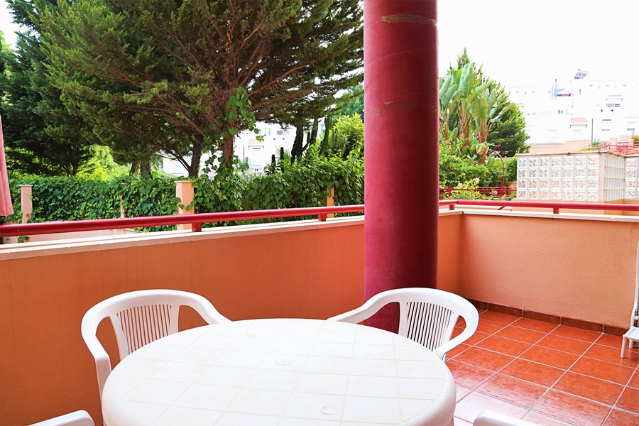 Great studio 4 min. walking from to the beach and 5 minutes of access to the highway. Totally furnis, Spain