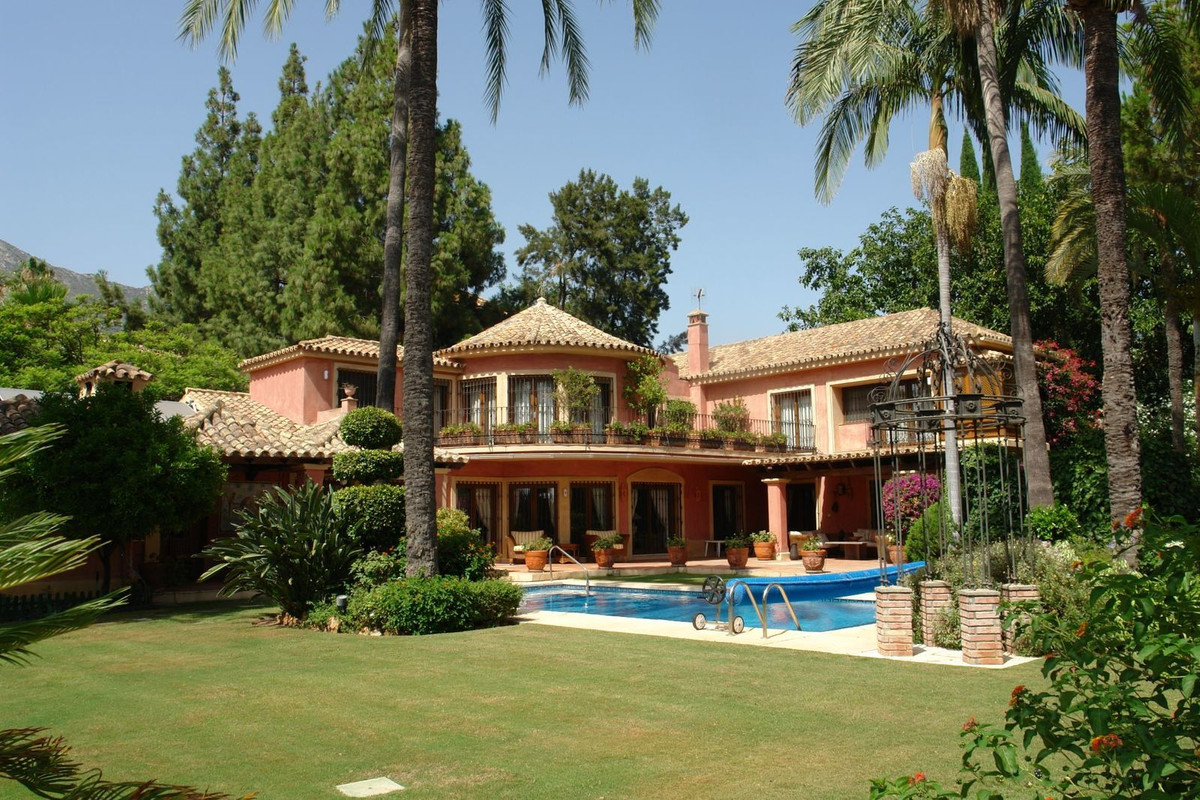 Luxury, elegant villa located in Golden Mile, Marbella A spacious entrance hall leads to the bright ,Spain