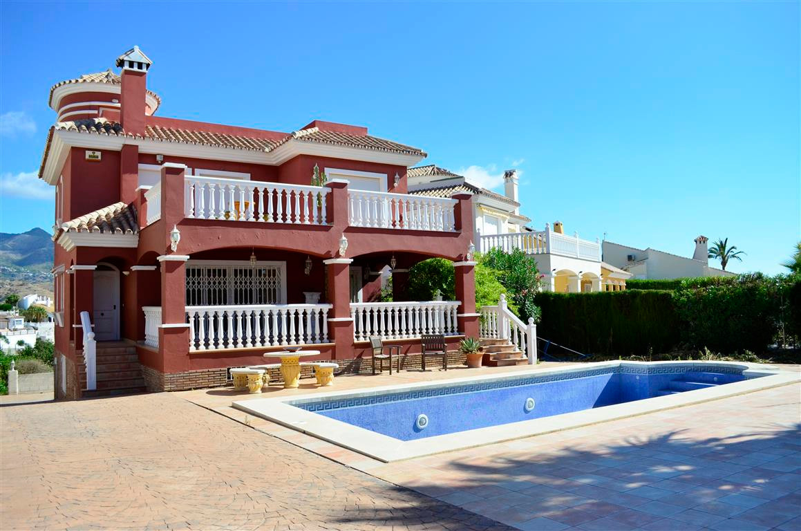 Family home villa situated in a nice residential area and within walking distance to shops restauran,Spain