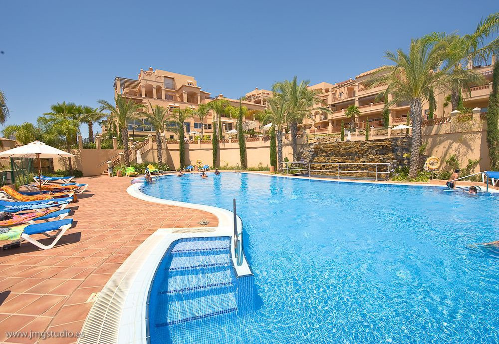 In the heart of the Costa del Golf you will find this exclusive closed urbanisation with 24h securit, Spain