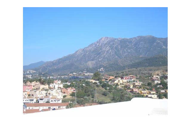 3 floor townhouse with panoramic views of La Concha mountain and the sea. Excellent condition and lo,Spain