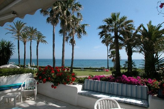 A very special property in a unique position on a prime beach front development close to Estepona. T,Spain