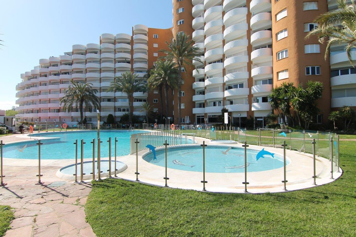 Modern fully renovated studio! Located in Elviria at 250 mts. From the beach, very close to the Hote, Spain