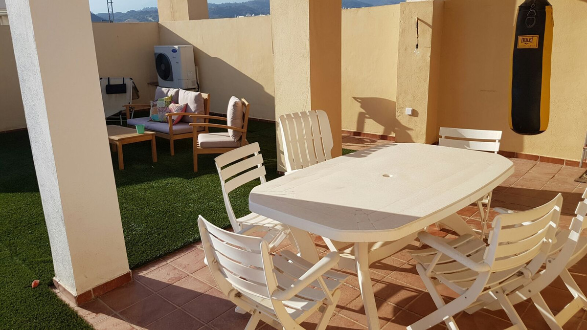 Magnificent duplex penthouse with 2 bedrooms and 2 bathrooms (1 ensuite). It has a large terrace on , Spain