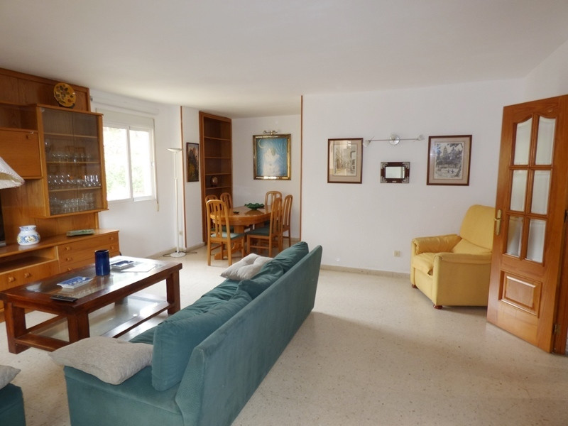 Spacious apartment located in the center of Marbella, Ricardo Soriano Avenue, distributed in 3 doubl, Spain