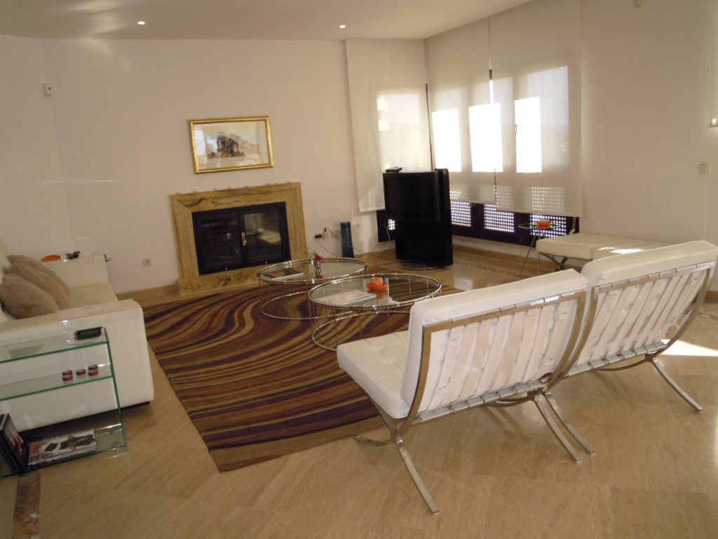 2nd floor penthouse. With breathtaking views.  Distribution: Hall, distributor, bathroom, guest bedr,Spain