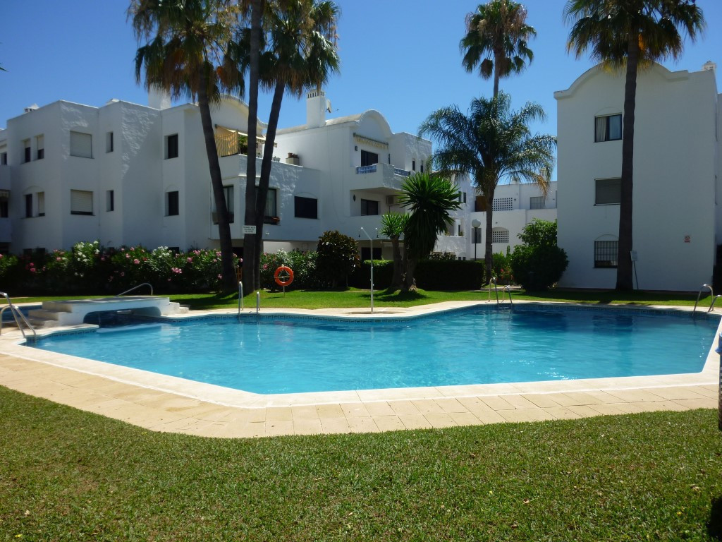 Conveniently located two bedroom, two bathroom apartment on the first floor in a popular gated commu, Spain
