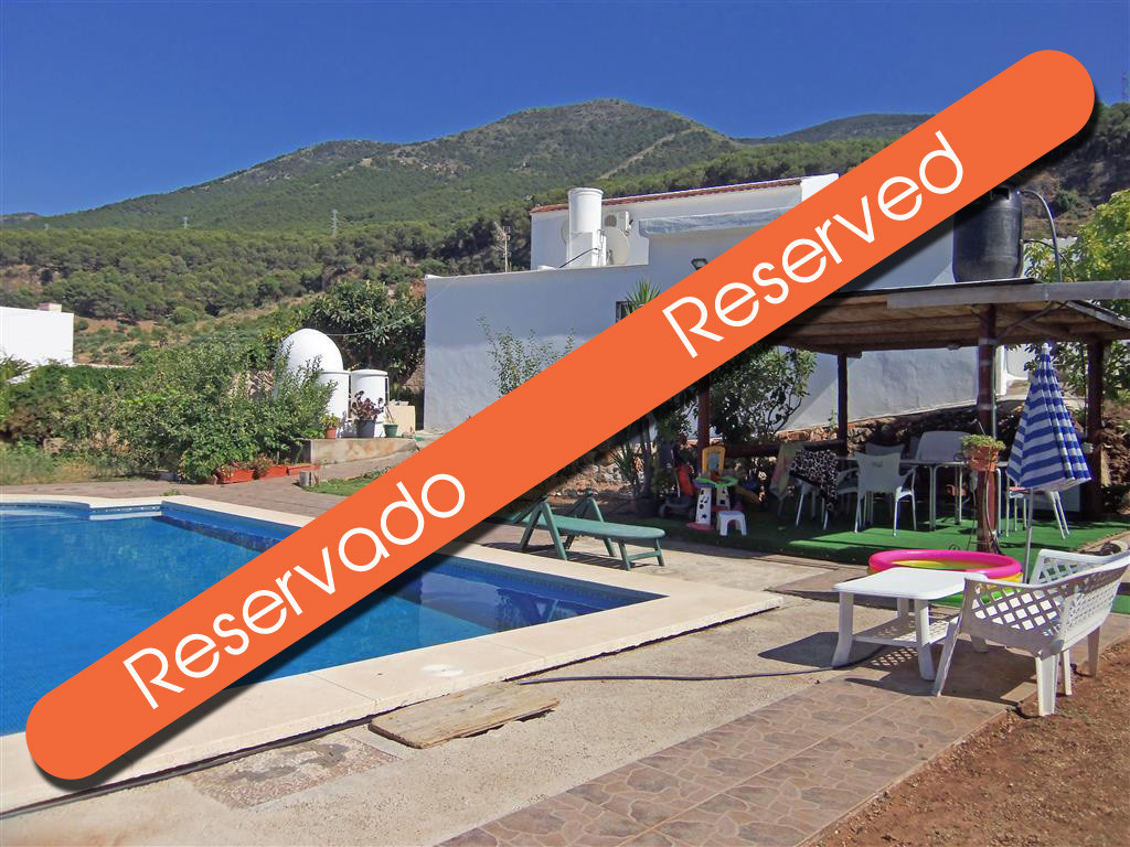 The property comprises of an old traditional house that has been extended, so it has two separate ar,Spain