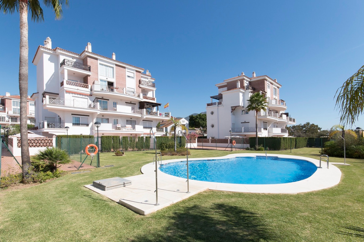 New apartments in Mijas Costa, Costa del Sol. 5 minutes from Fuengirola center. From € 106 806  A  vSpain