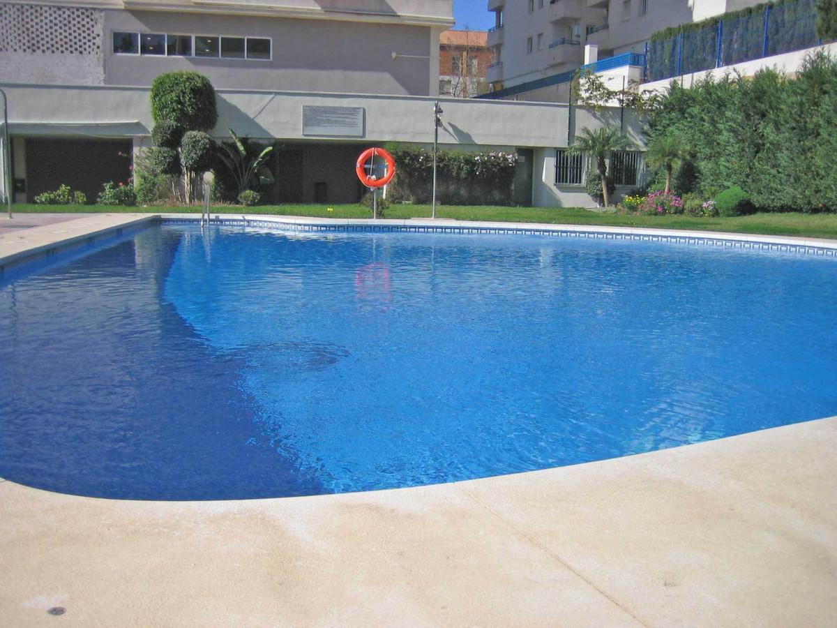 Middle Floor Apartment, Marbella, Costa del Sol. 2 Bedrooms, 2 Bathrooms, Built 73 m², Terrace 20 m²,Spain